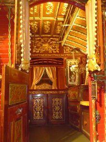 Vardo (Romani wagon) - Ask.com Encyclopedia Beautiful interior