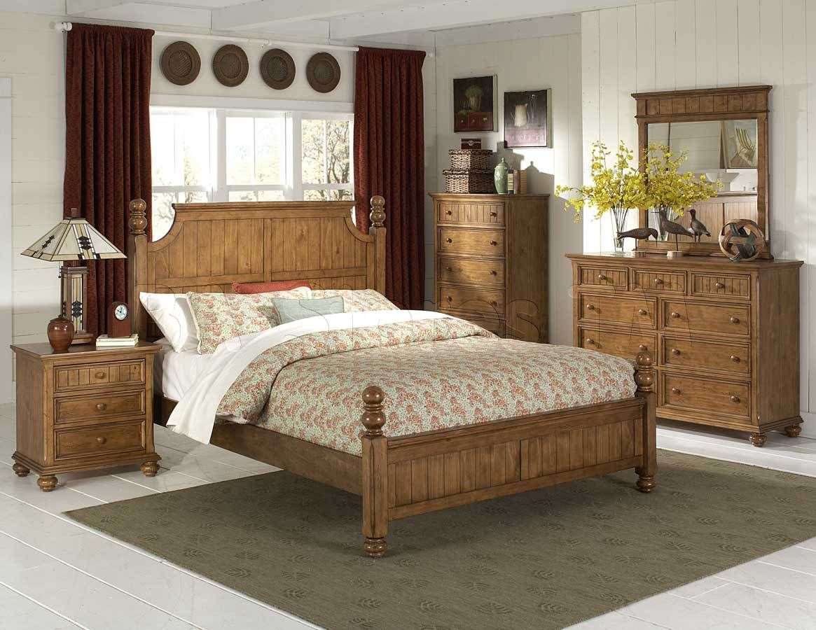 bedroom decorating ideas with pine furniture design ideas 2017 bedroom design beauteous traditional casual wood decorating small bedrooms and drawer cabinets with chic table lamp also fancy red curtain windows interior
