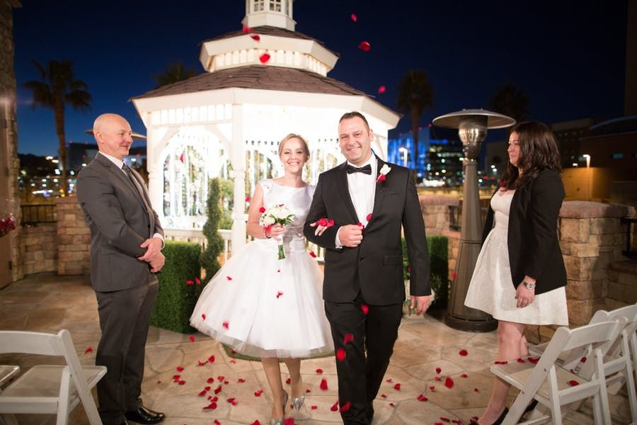 Vegas Wedding Venues for Small Weddings of 2-100 for $199 ...