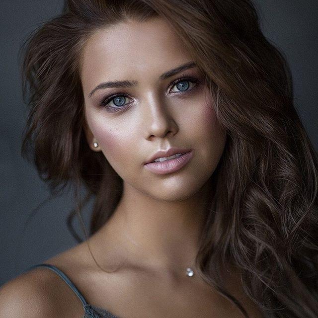 Anna Canon 5dm3 Canon 135mm F 2 0 Natural Light Beauty Girl Dark Hair Light Eyes Beautiful Women Faces