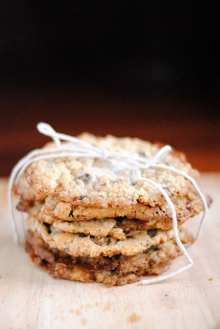 rice krispie, marshmallow & chocolate chip cookies (à la milk bar) by christina tosi