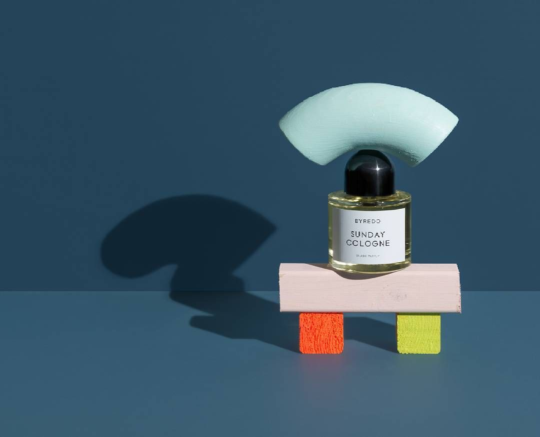 One of my realisations while shooting my latest still life campaign for SCENTURY in a collaboration with Creative Director Helder Suffenplan is how much closer design & Stilllife photography is to oneandother as compared to for example fashion & fashion photography. This is very rewarding since you can maker use of all these cool design influences in your photography. Here: Byredo: Sunday Cologne  #Byredo #Scent #NicheScent #NicheLuxury #Luxury #Stillife #Photography #Love #PhotoOfTheDay…