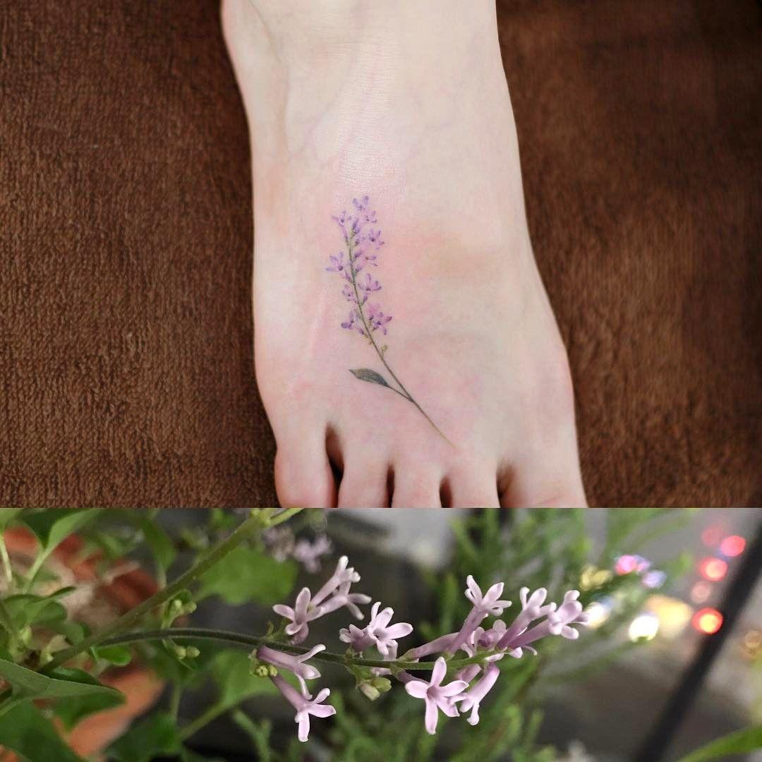 Cute korean tattoo ideas 라일락 타투를 하는 날 작업실 라일락 화분에 꽃이 활짝 피었습니다