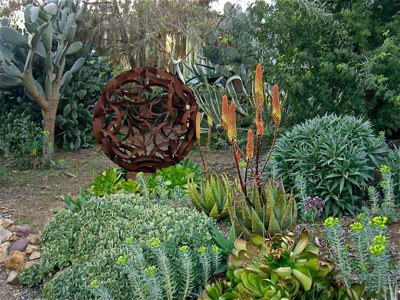 17 Best 1000 images about Garden Orbs on Pinterest Gardens In the