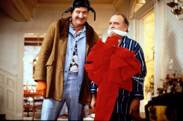 Christmas Vacation Boss Gift Scene.Eddie Clark S Boss Mr Frank Shirley A Griswold Family