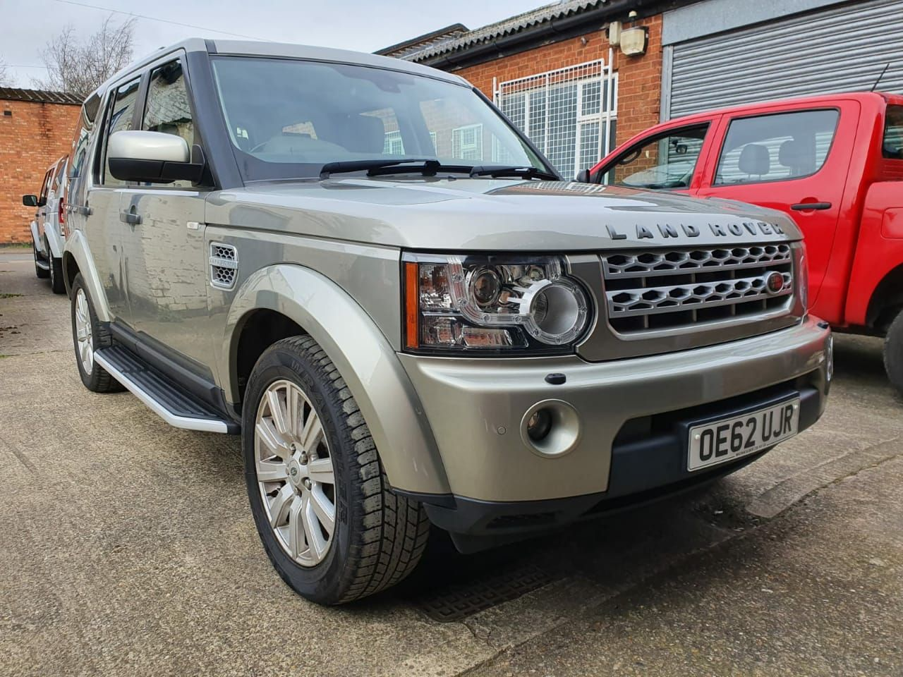 Pin on 2013 4.15M Land Rover Discovery 4 for Sale