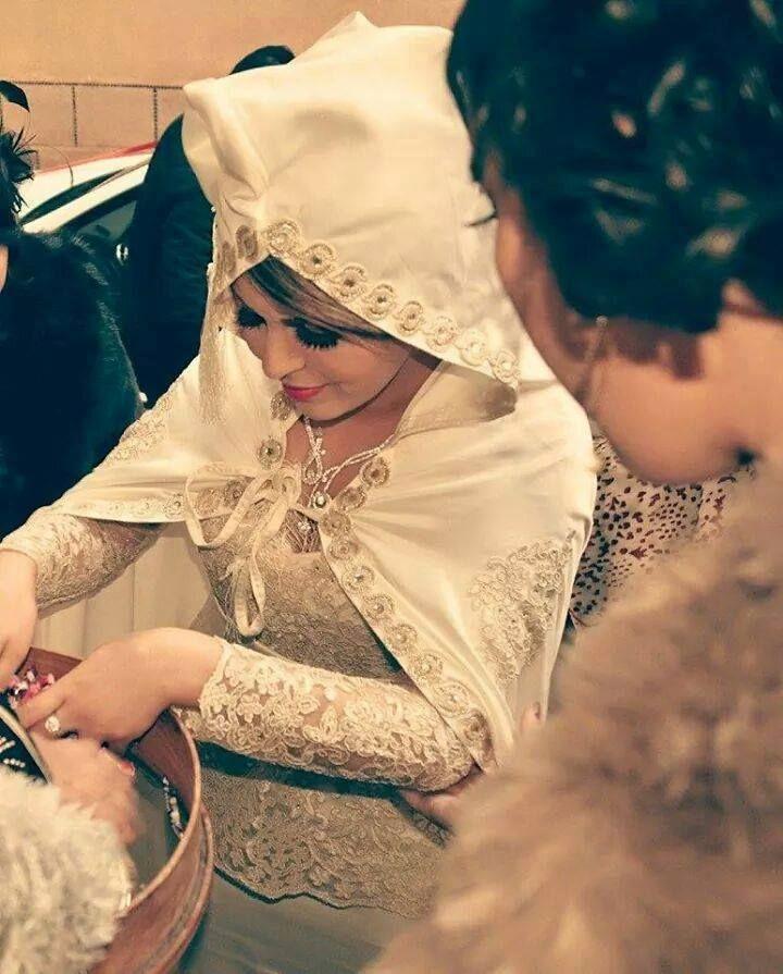 Épinglé Par Yasmina Samira Sur Cake: Tenu Traditionnelle Algérienne