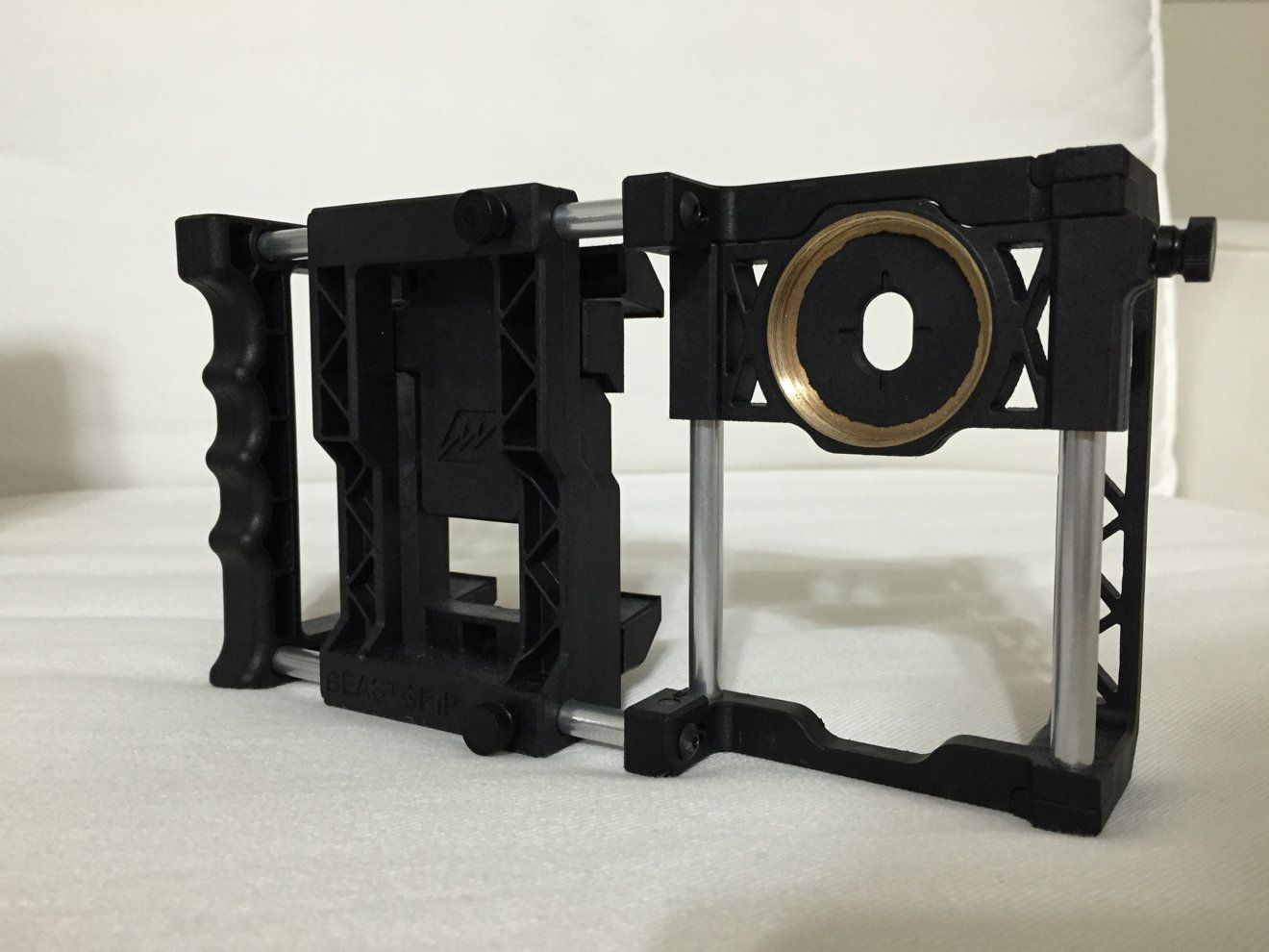 First look: Beastgrip Pro lens adapter platform for Apple's iPhone