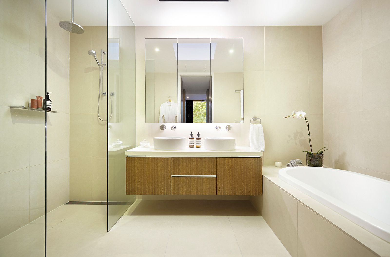 Good Renovating Wet Areas: What Can You Do Yourself?