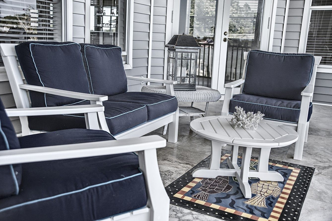 Seaside Casual Nantucket Design By Bell Tower Lake House Living Company.
