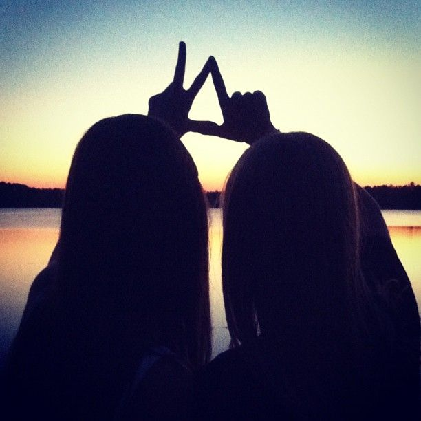 KD---I want to make a picture like this with Alpha Gamma Delta!!