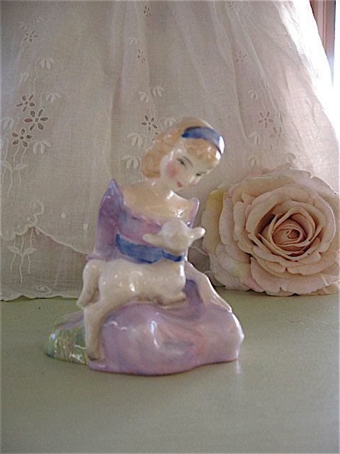 Royal Doulton Mary had a little Lamb figurine by Fannypippin,