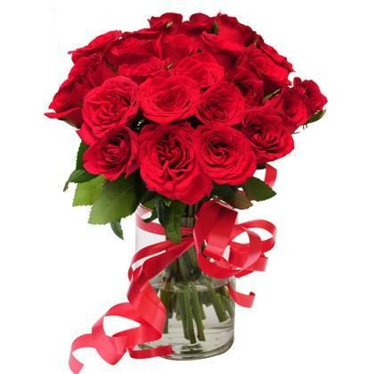 Send Flowers To Lucknow To Your Beloved From Eflowerstoindia Net Flower Delivery Online Flower Delivery Send Flowers Online