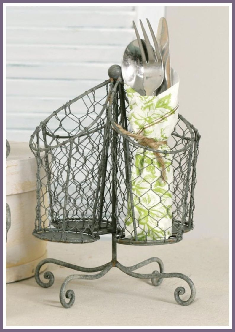 Chicken wire utensil holder will add a farmhouse look to