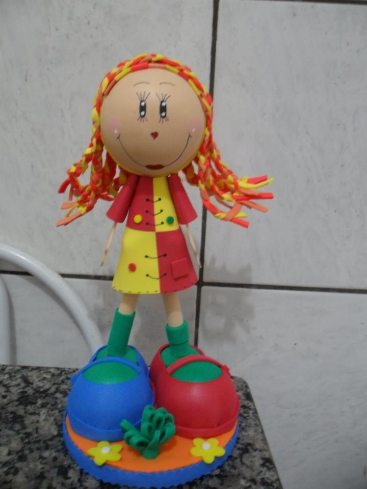 Boneca Emília fofucha.