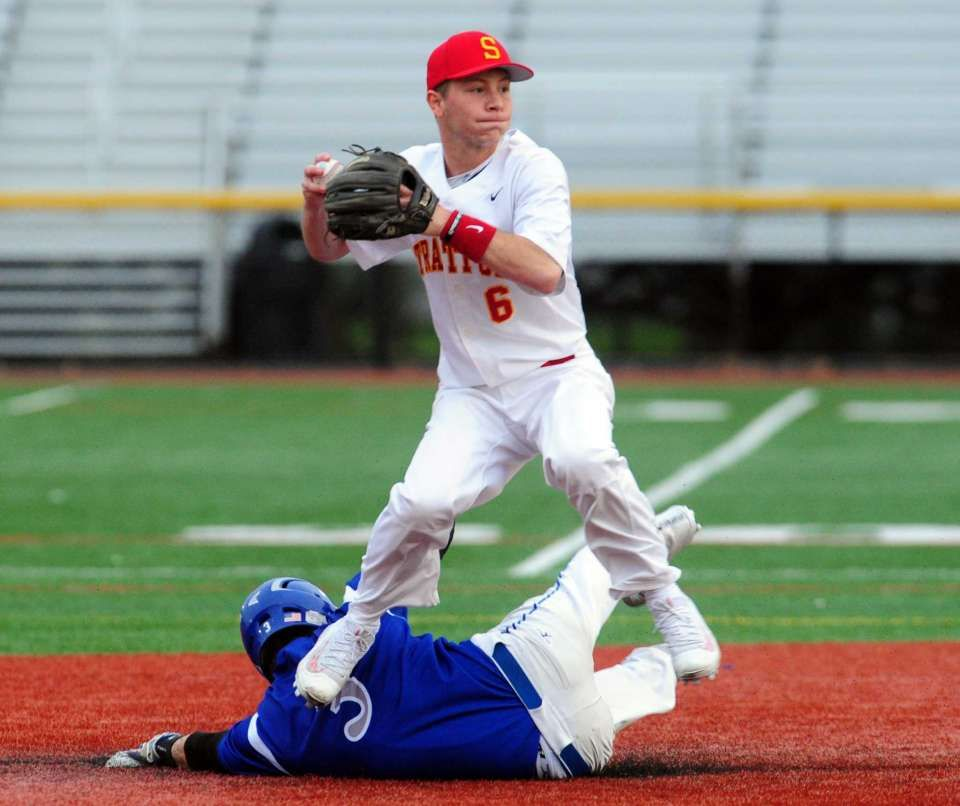 Stratford Rallies To Edge Rival Bunnell In Baseball Baseball Stratford The Outfield