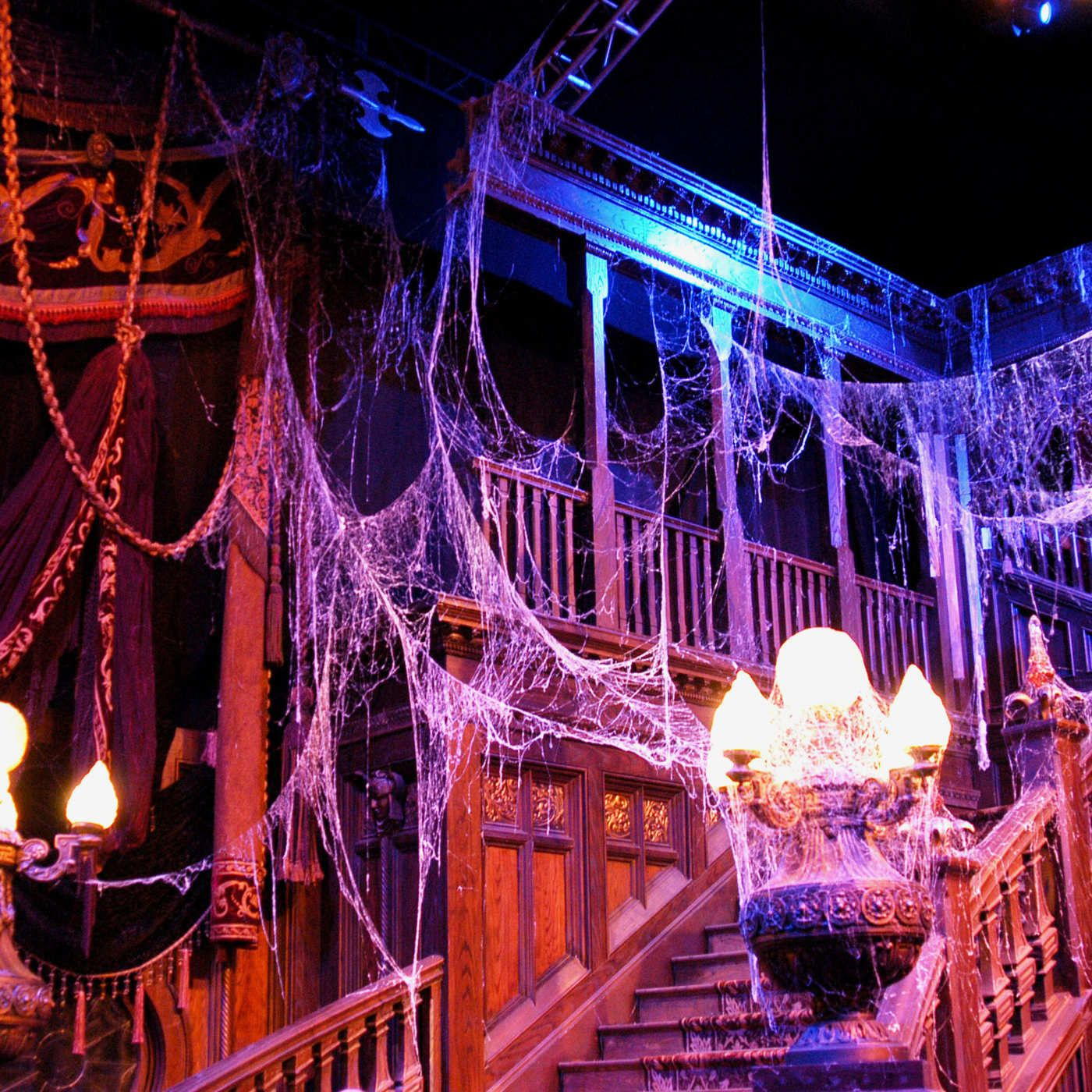 the best halloween decorations and props, according to haunted-house