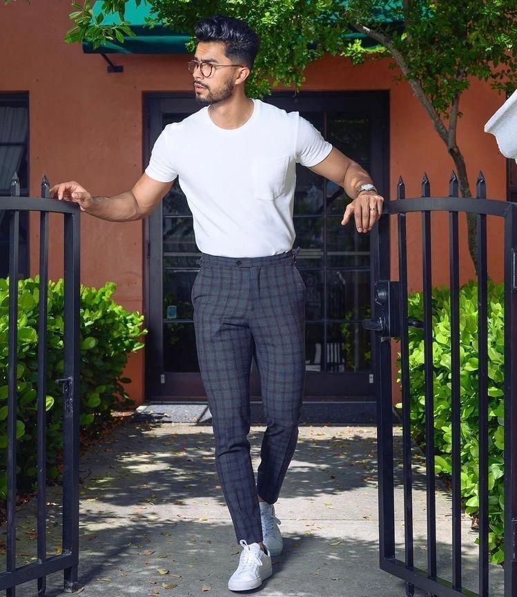 Pantalones A Rayas Una Prenda Muy Versatil Que Combina Con Todo Ropa De Hombre Casual Elegante Ropa Moderna Hombre Ropa Casual Hombres