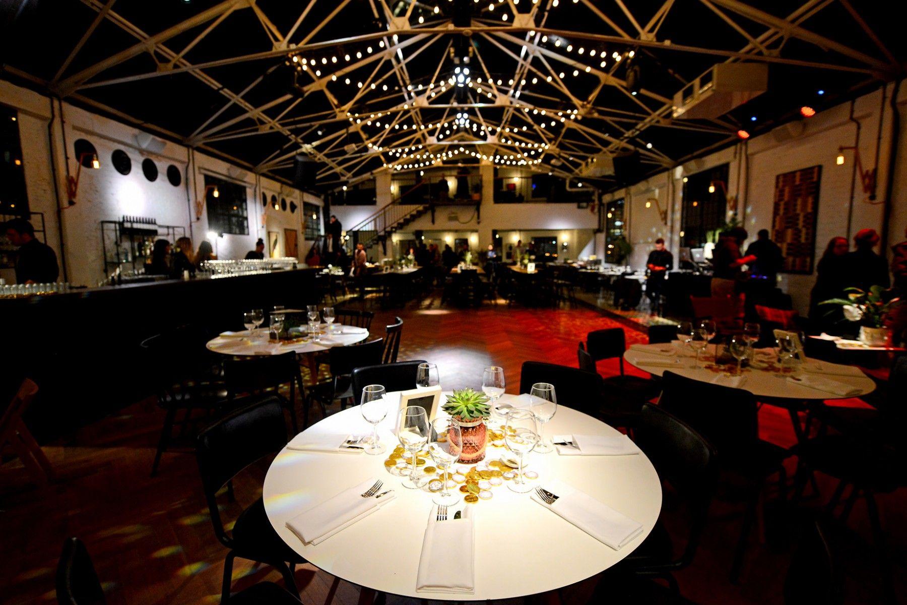 בית השמחות Table settings, Basketball court, Table