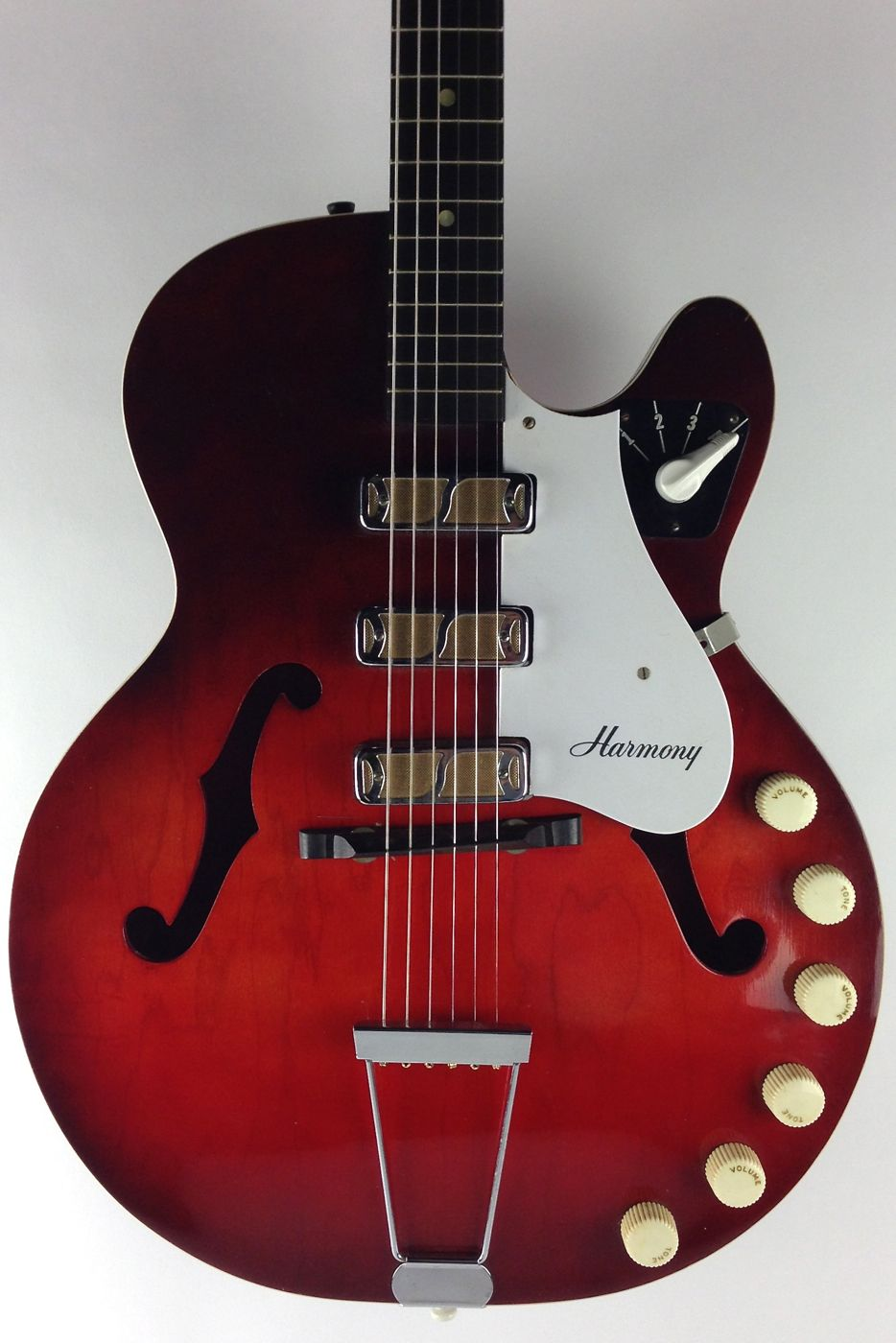 60 s harmony rocket thunder road guitars so many knobs it must be awesome with that many. Black Bedroom Furniture Sets. Home Design Ideas
