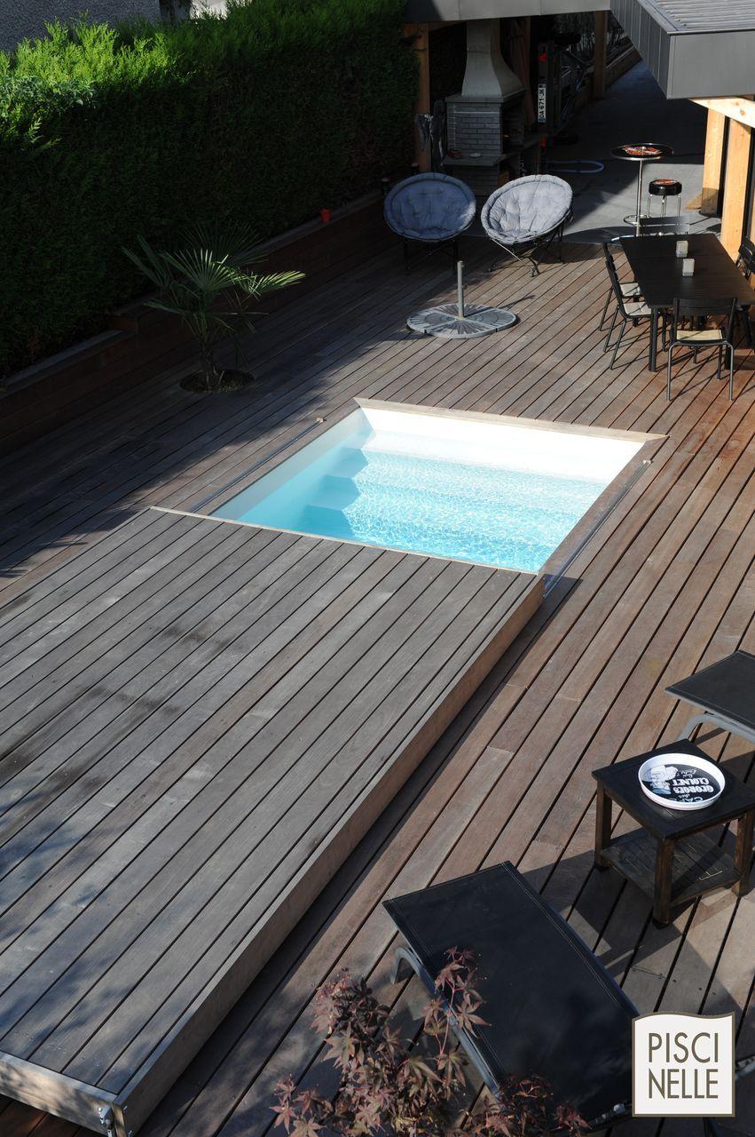 Vue De Haut Piscine Mi Fermee Par La Terrasse Mobile Pool And