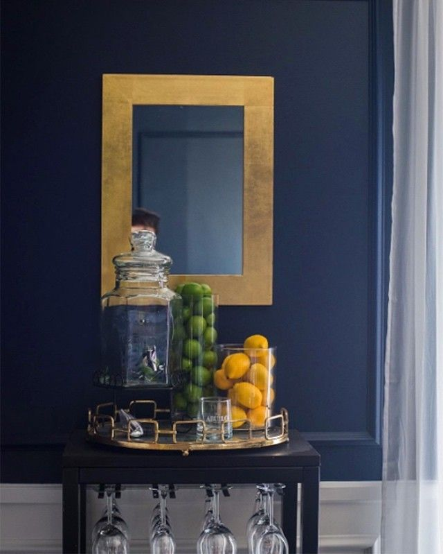 Dining Out In Your New Navy Blue Dining Room: @construction2style Pairs Gold Accents With Deep Royal