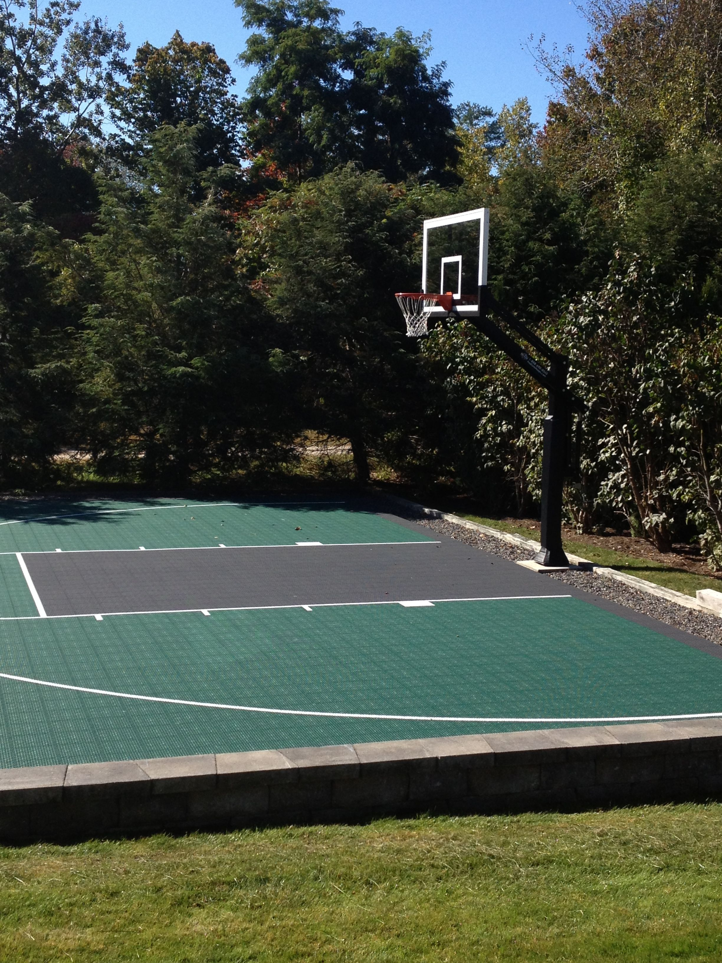 pro dunk diamond basketball system is standing solid and secured