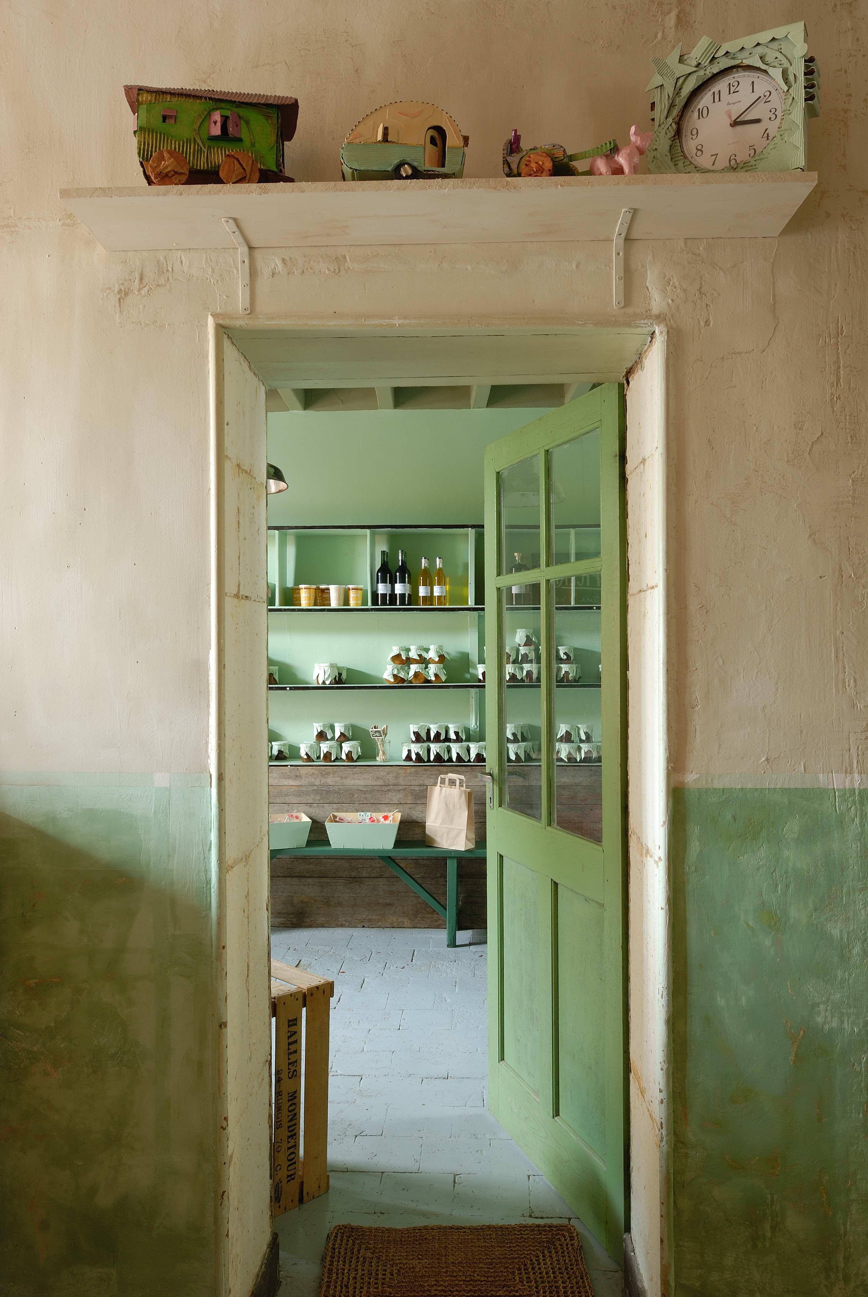l entree de l epicerie vert celadon confitures faites maison www lepicerie de venat com