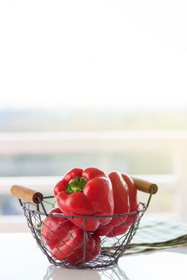 Скачивайте Красный перец в металлической корзине бесплатно ...