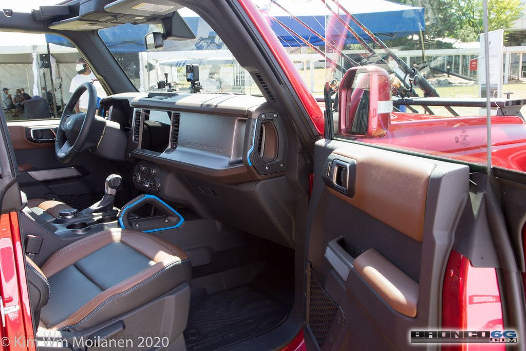 Https Www Bronco6g Com Forum Attachments 2021 Ford Bronco Rapid Red Interior Employee Roundup Event 57 Jpg 26922 In 2020 Ford Bronco Red Interiors Bronco