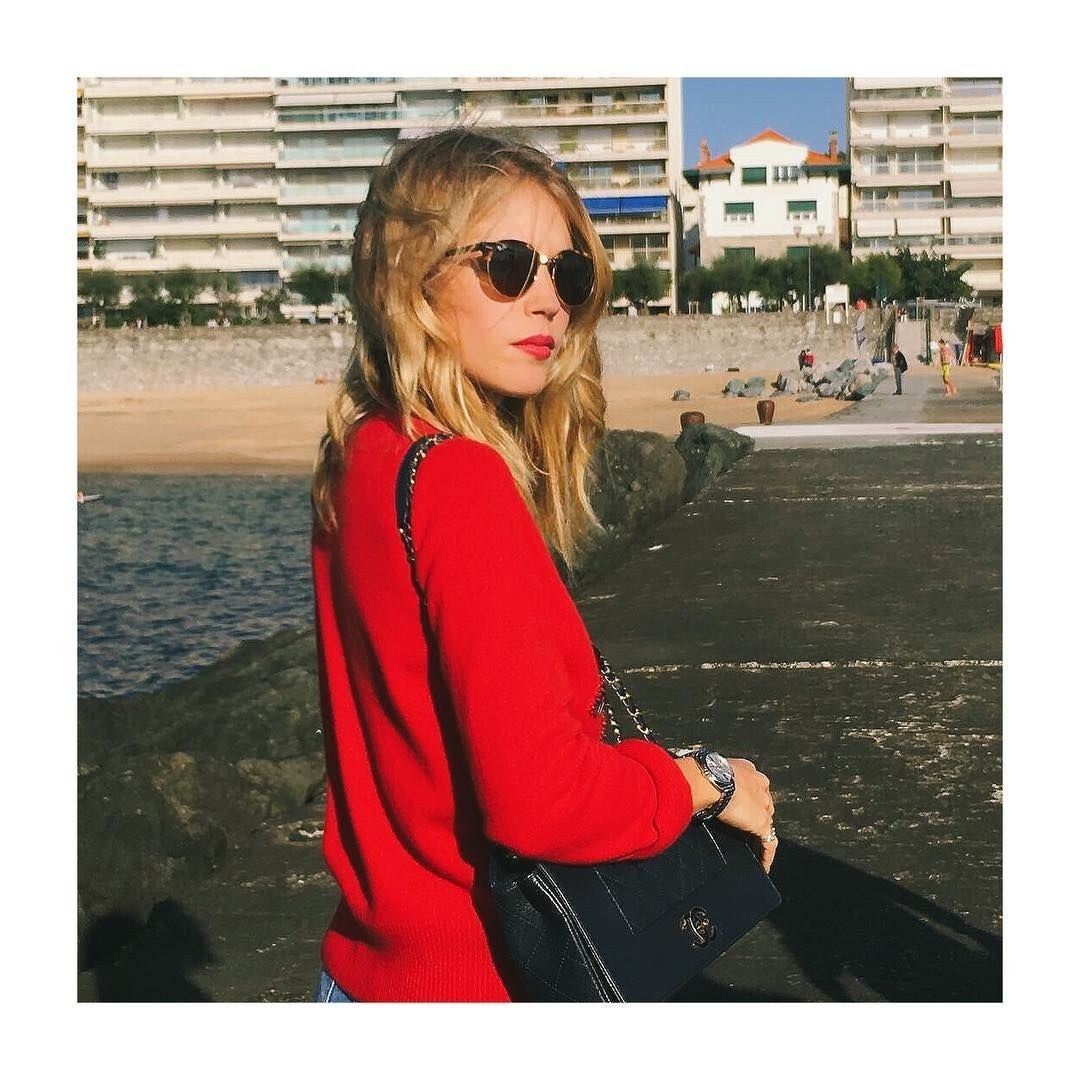 Dating Girl Biarritz.