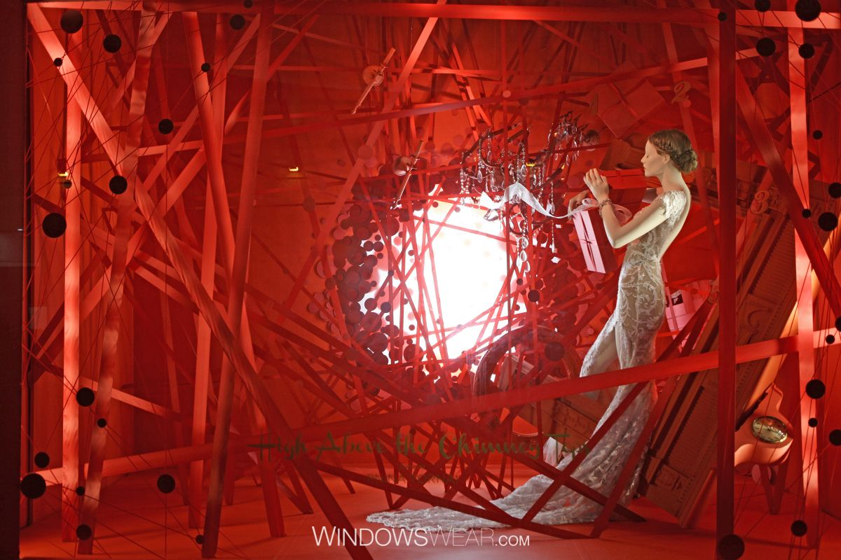 The World's Best Fashion Window Displays of 2015 | WindowsWear Awards
