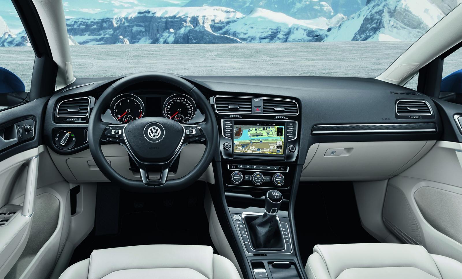 2014 New Volkswagen Golf Estate Interior