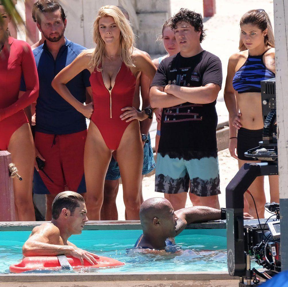 Kelly Rohrbach Jon Bass And Alexandra Daddario In Baywatch 2017 47 Kelly Rohrbach Baywatch Movie Baywatch