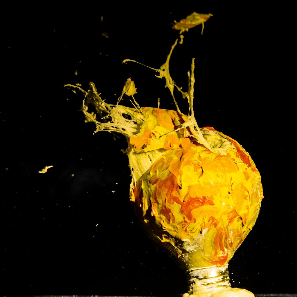 Amazing Photos Of Exploding Lightbulbs Filled With Colorful
