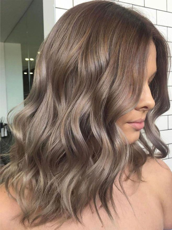 46 Trendy Light Brown Hairstyles Color To Try For A New Look Light Brown Hair With Lowlights Light Brown Hair Ash Brown Hair Color Hair Styles Light Hair Color