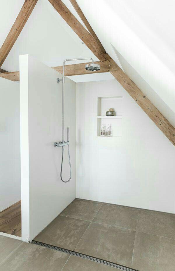 Douchen onder schuin dak | Badkamer | Pinterest - Badkamer, Zolder ...