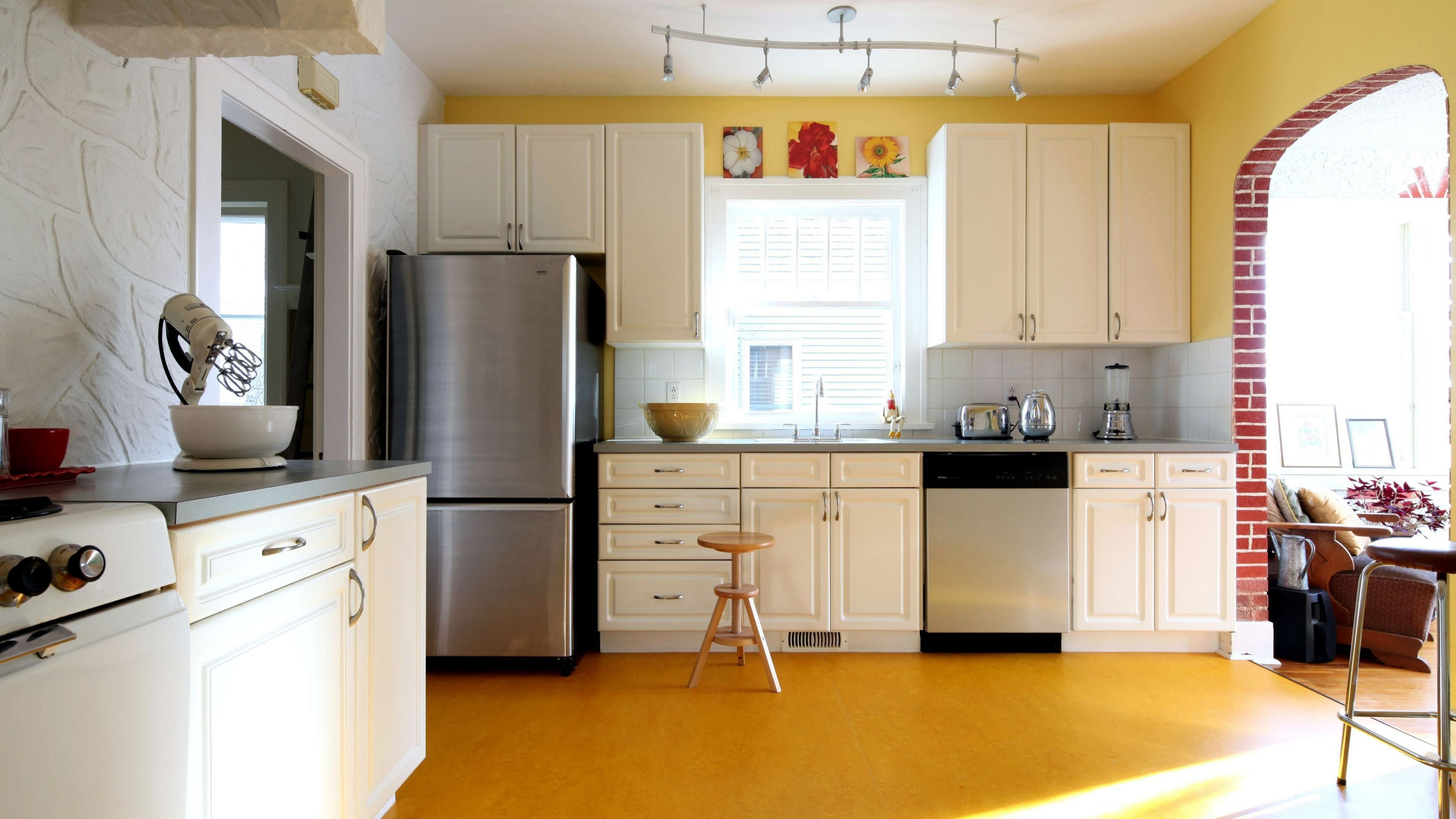 Modular Kitchen Images Awesome Shaped Top Simple Yellow ...