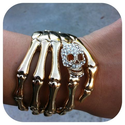 Skull Hand Cuff Gold from Lovely Dolls - love the thought of this little gold hand clutching my wrist :-) Thanks, Jess!