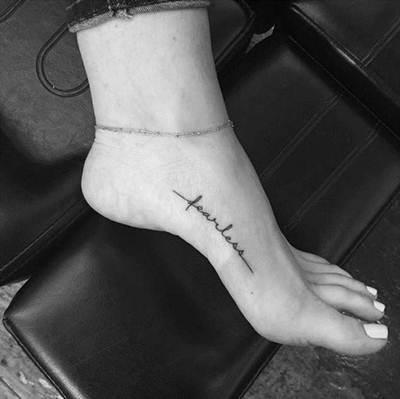 تاتو رجل و قدم ناعم و بسيط للنساء و الرجال اجمل صور تاتو رجل Foot Tattoo Quotes Small Foot Tattoos Fearless Tattoo