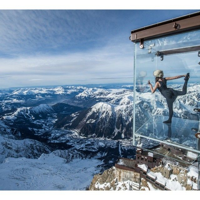 Aiguille Du Midi Skywalk Monte Blanc France It Can Be Accessed For Free With A Lift Pass To Chamonix Aiguille Du M Chamonix Taos Ski Valley Places To Go