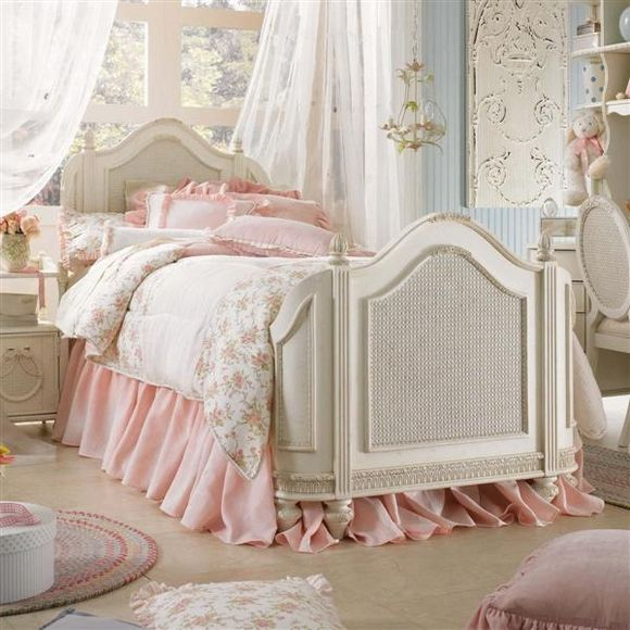 girls room :) vintage pink furniture | girly vintage pink bed photo