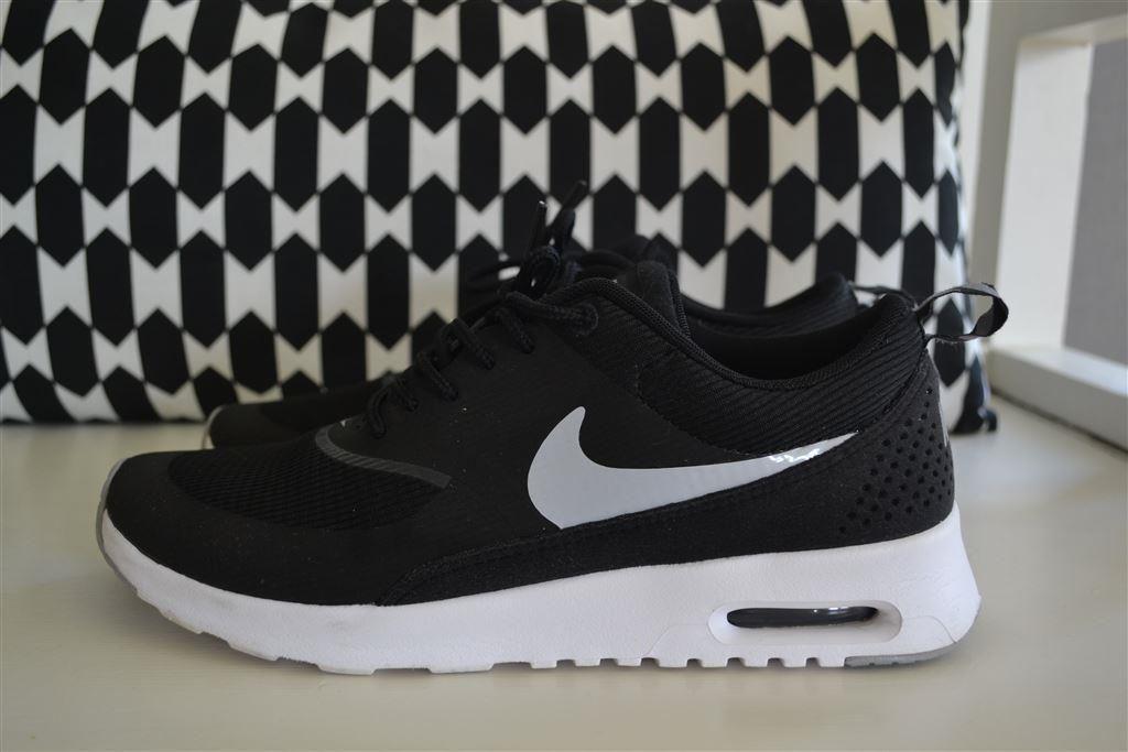 more photos b5c40 8c4a3 Nike Air Max Thea skor - Storlek 38,5 på Tradera.com - Sneakers   vardag