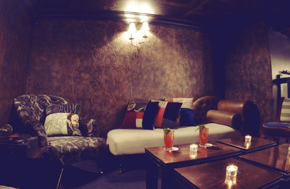 hip paris blog lrd little red door bar roundup paris bar red. Black Bedroom Furniture Sets. Home Design Ideas