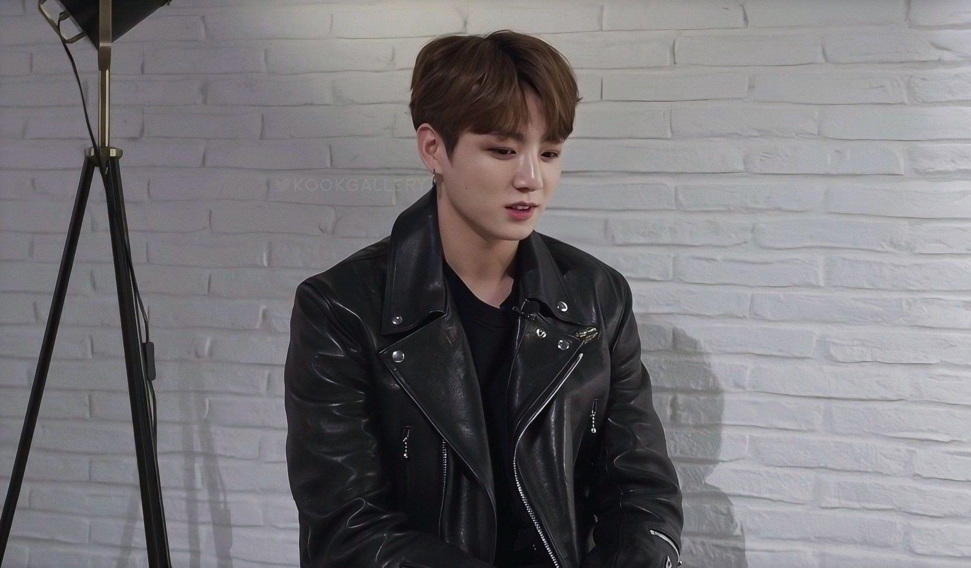 Pin By Vitoria Danette On J U N G K O O K Leather Jacket Jackets Jeon Jungkook [ 1157 x 1978 Pixel ]