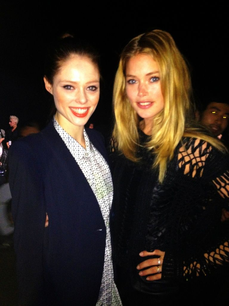 Found my @Doutzen at the show. Someone with cat eyes photo bombing behind. #NYFW