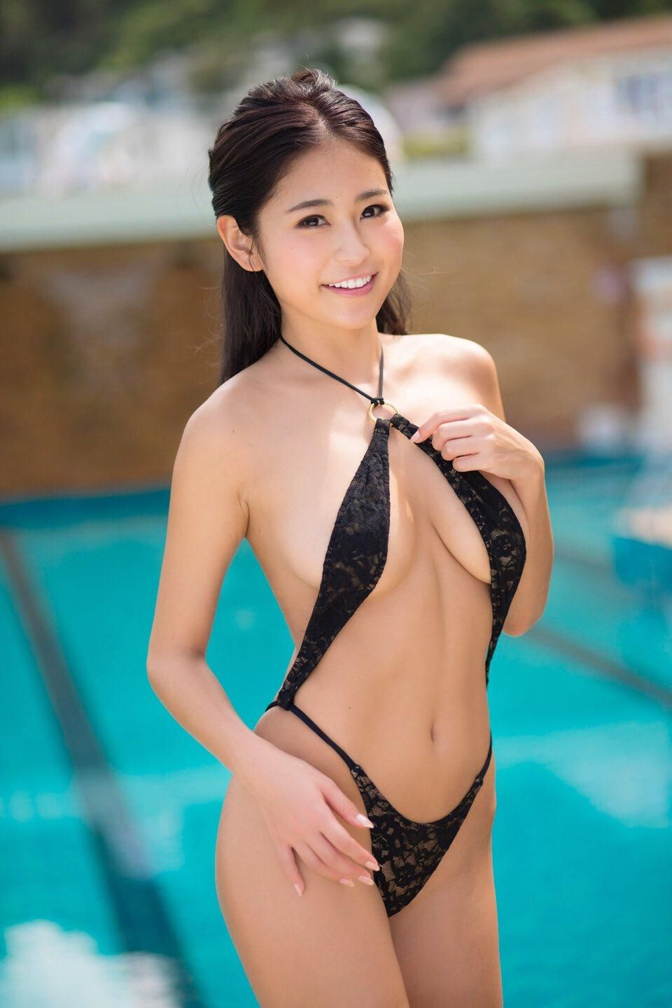 bikinis Sexy asian girls in