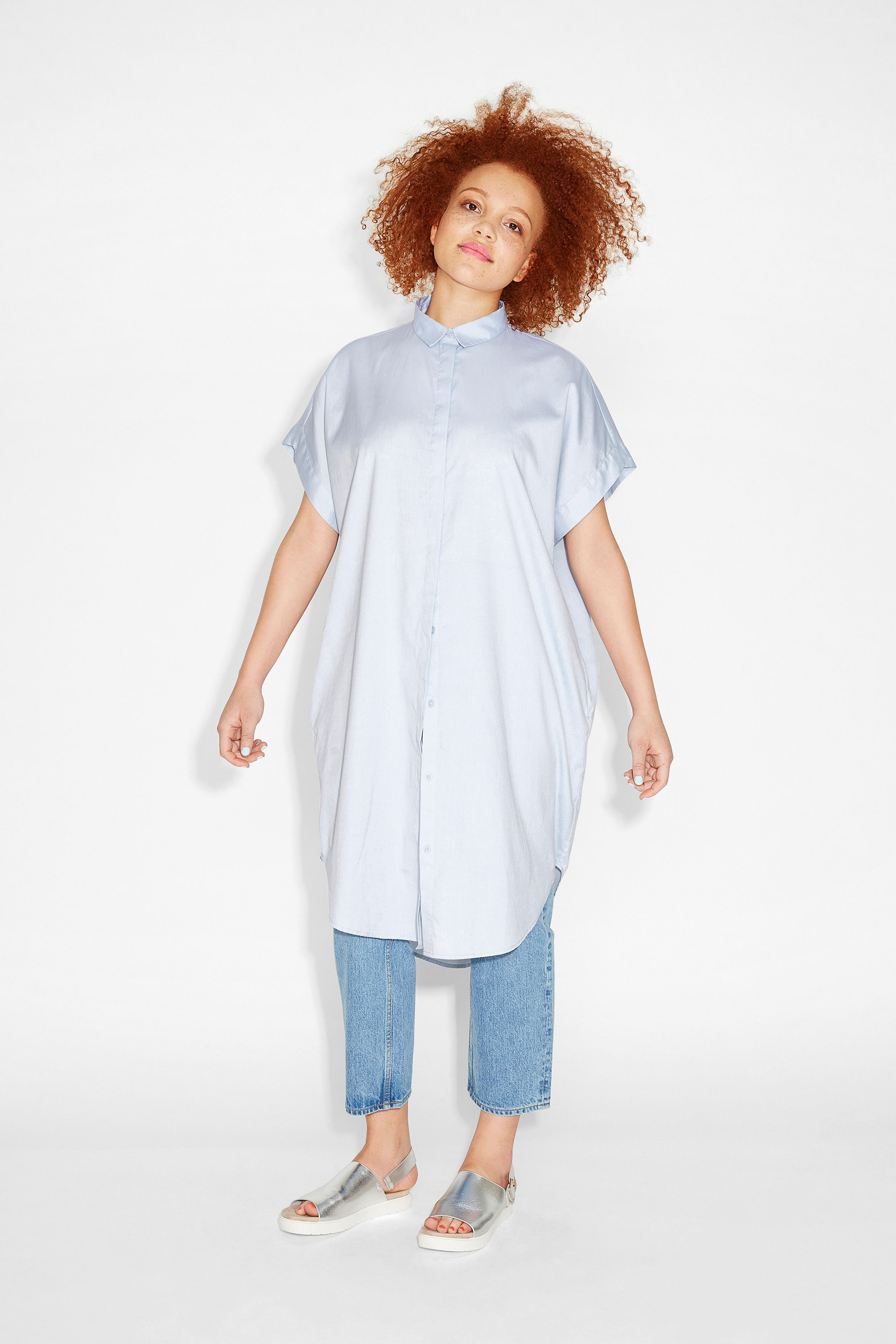 Large and in charge, this oversize sleeveless shirt dress is an awesomely dramatic interpretation of a closet staple.