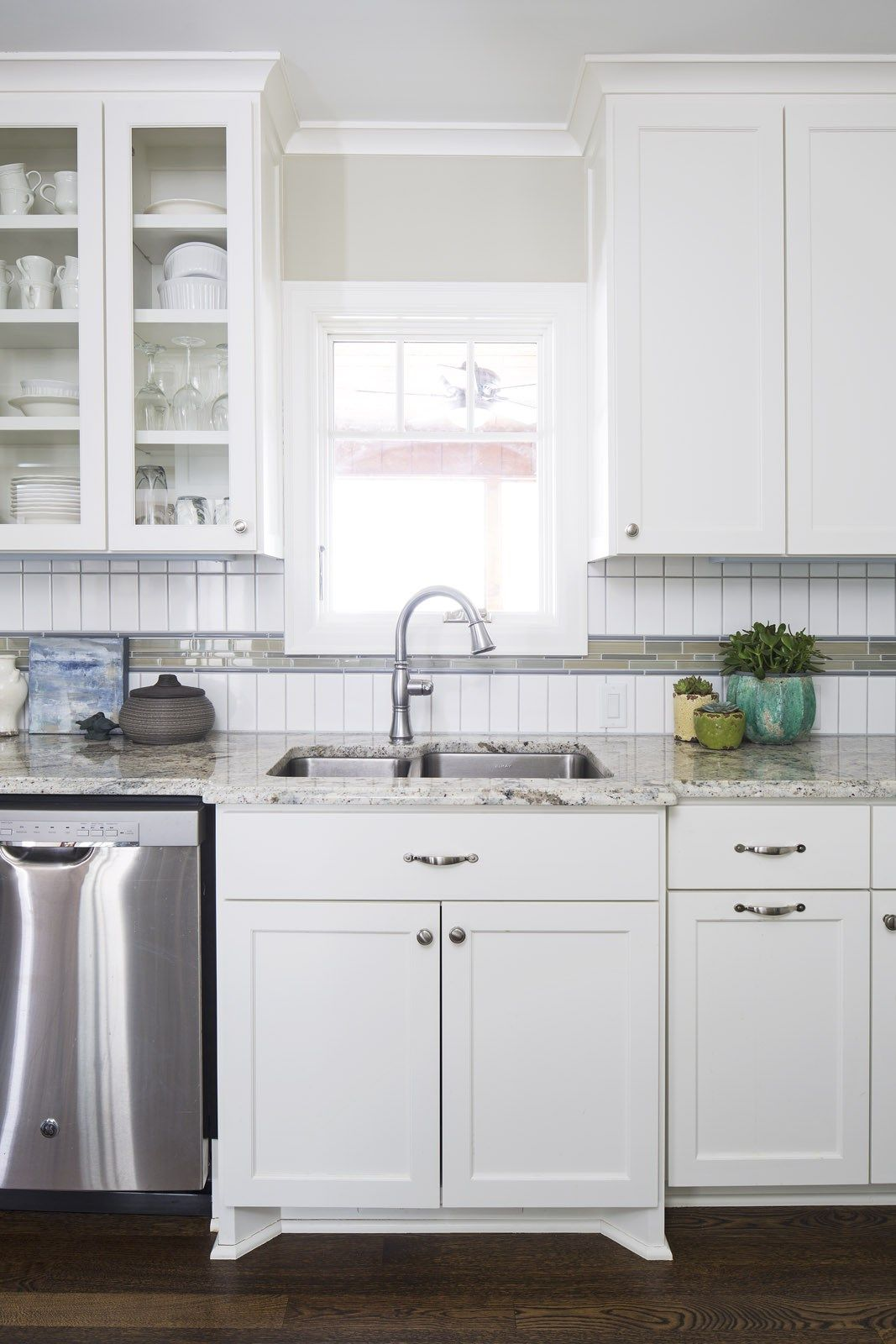 A Small, Outdated Kitchen Gets a Classic, Modern Makeover | Modern ...
