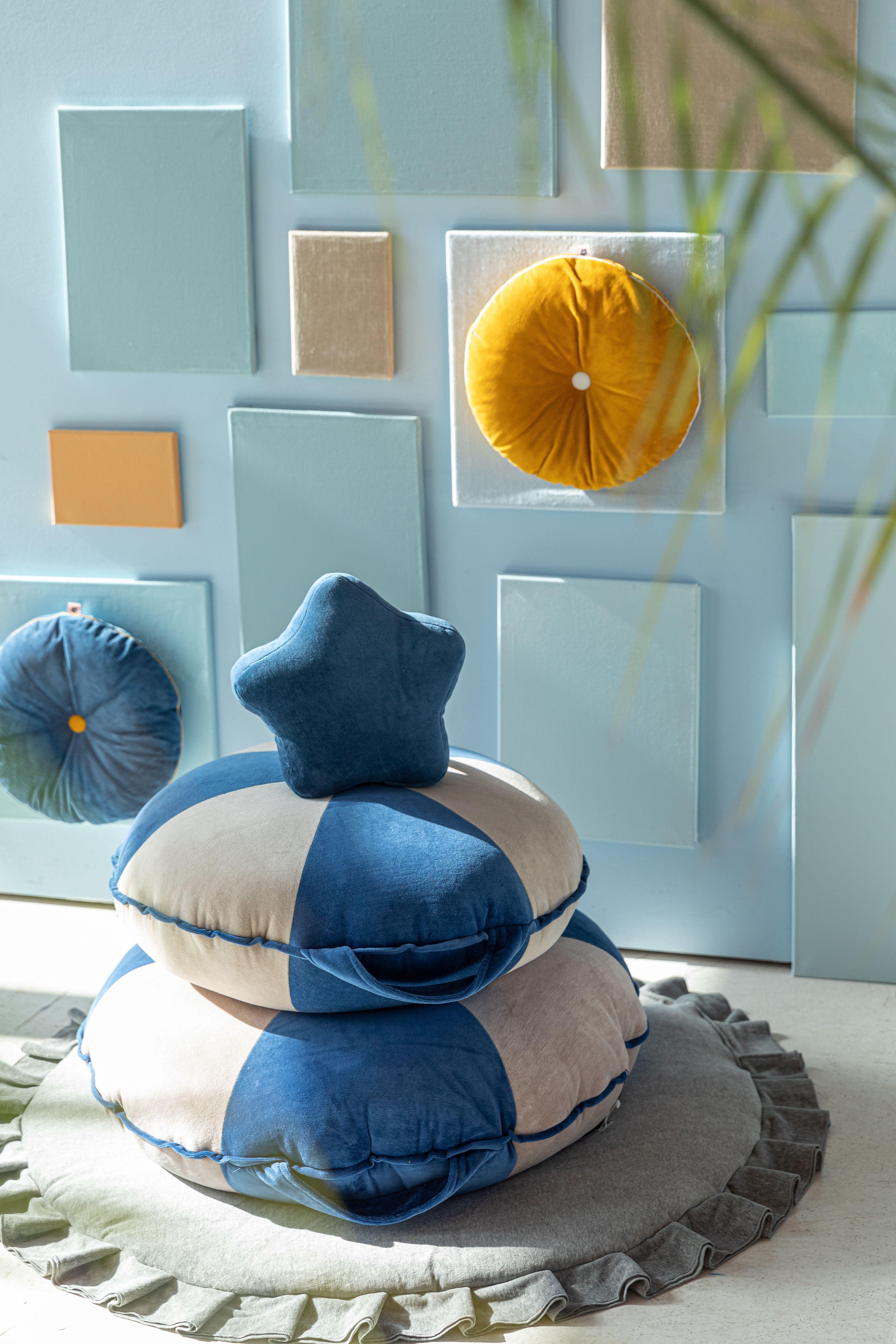 Photo of Velvet Grey Playmat